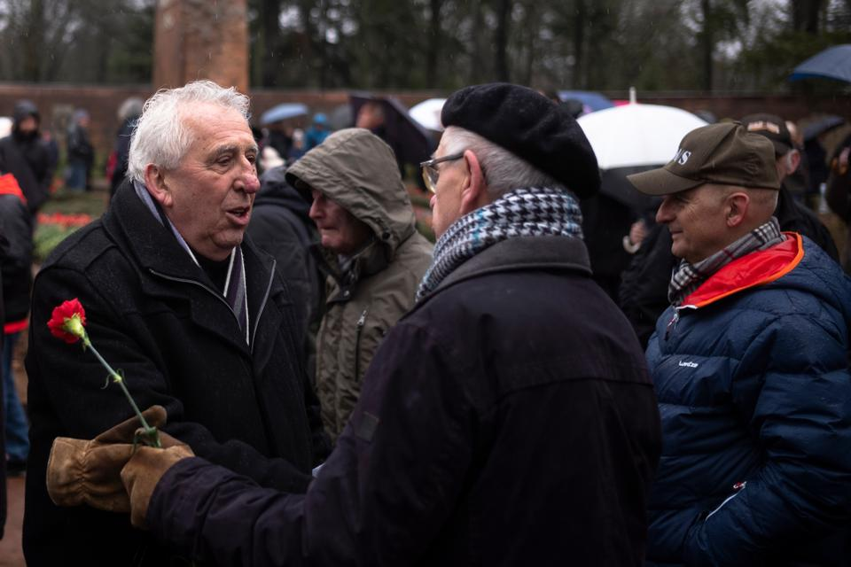 Egon Krenz, the former Communist Party and state leader of former East Germany, came from other people to commemorate former German socialist leaders Rosa Luxemburg and Karl Liebknecht in a cemetery in Berlin in January. Welcome. 13, 2019.