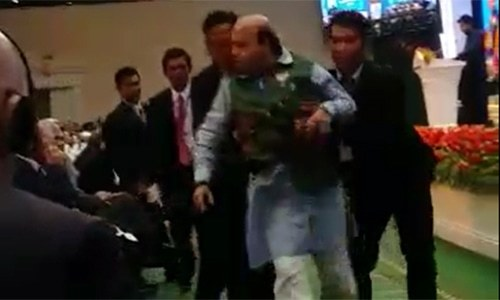 BJP leader escorted out by security for heckling Suri during speech on occupied Kashmir - World